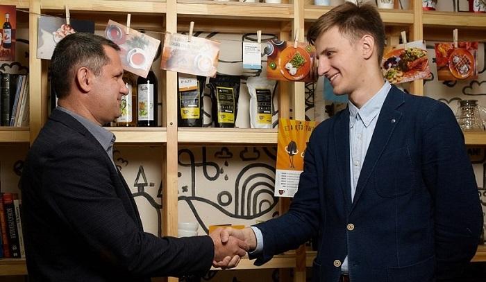 Основатели кофейни Ok, Hub